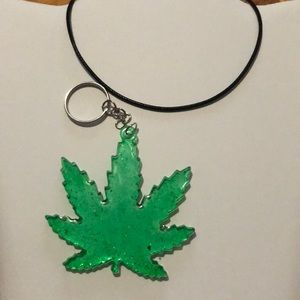 "Jewelry - New green glitter ""Leaf"" keychain/pendant"
